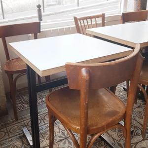 Les tables en bois de Passager