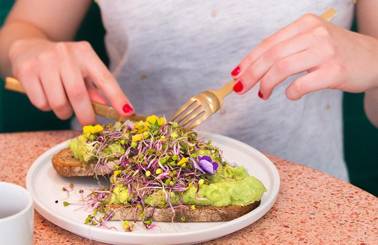 Les meilleurs avocado toasts des coffee shops