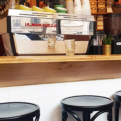 La machine à café de Good News Coffee