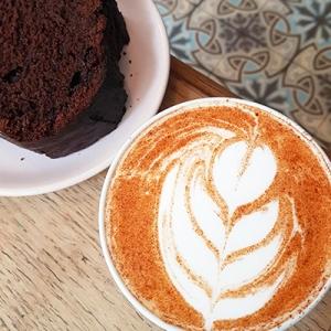 Le cake au chocolat et chai latte de Passager