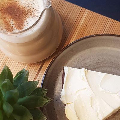 Le chai latte et carrot cake de Nuance Café