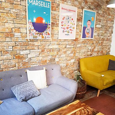 Les canapés confortables de 7VB Café