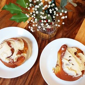 Les cinnamon rolls de 7VB Café