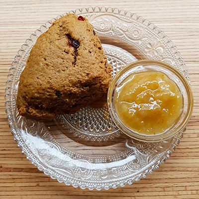 Le scone à la confiture de poire de Grounded