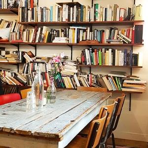 L'espace lecture de Coffee Spoune