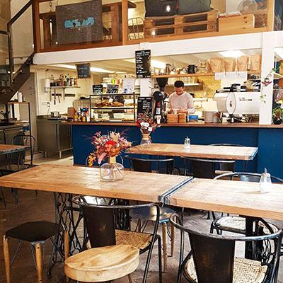 Le grand espace de SIP Coffee Bar