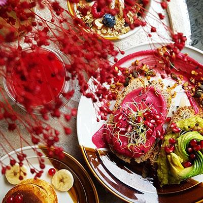 Les plats colorés de Contrast