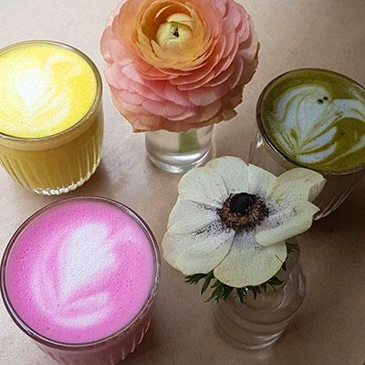 Les trois latte colorés de Café Berry