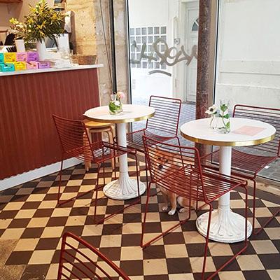 L'intérieur chaleureux de Café Berry