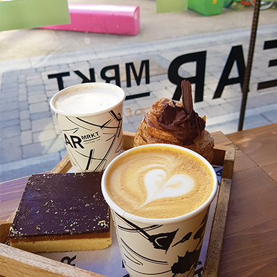 La pause petit déjeuner chez Bear Market Coffee